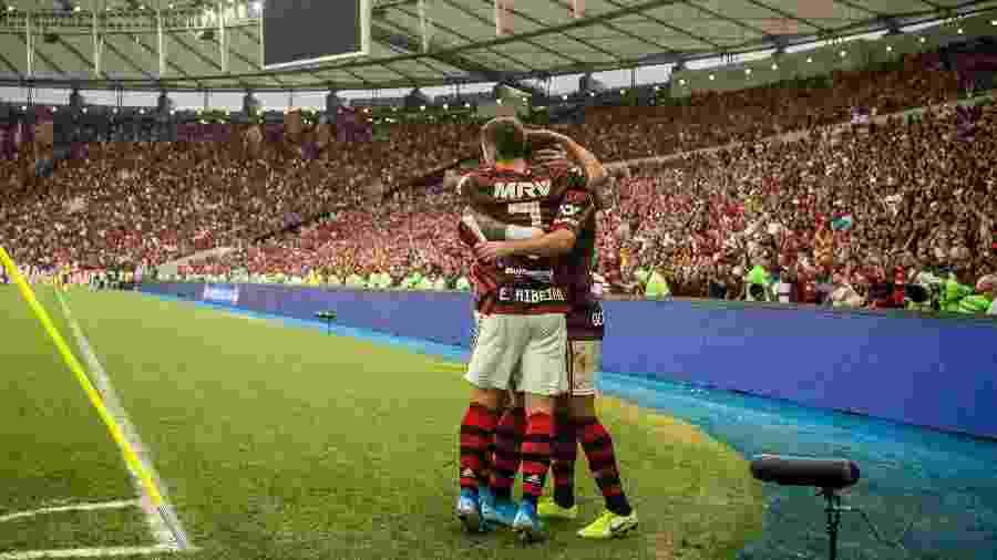Flamengo comemora um dos gols na vitória sobre o Palmeiras; Rubro-negro ainda não perdeu no Maracanã - Alexandre Vidal / Flamengo
