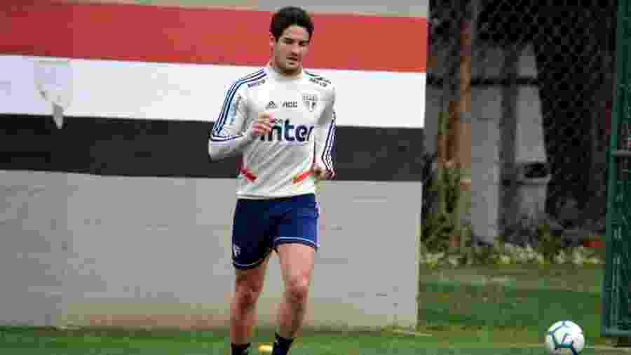 Alexandre Pato treina no CT do São Paulo, na Barra Funda - Érico Leonan / saopaulofc.net
