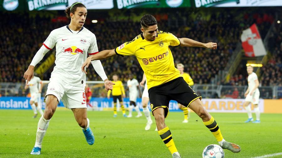 O lateral Achraf Hakimi defendeu o Borussia Dortmund por empréstimo e vai para a Inter de Milão - Leon Kuegeler/Reuters