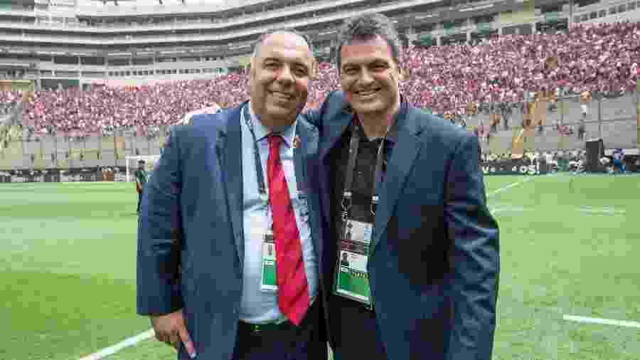 Marcos Braz, vice futebol, e Bruno Spindel, diretor executivo, celebram título da Libertadores. Dupla segue na Europa - Alexandre Vidal / Flamengo