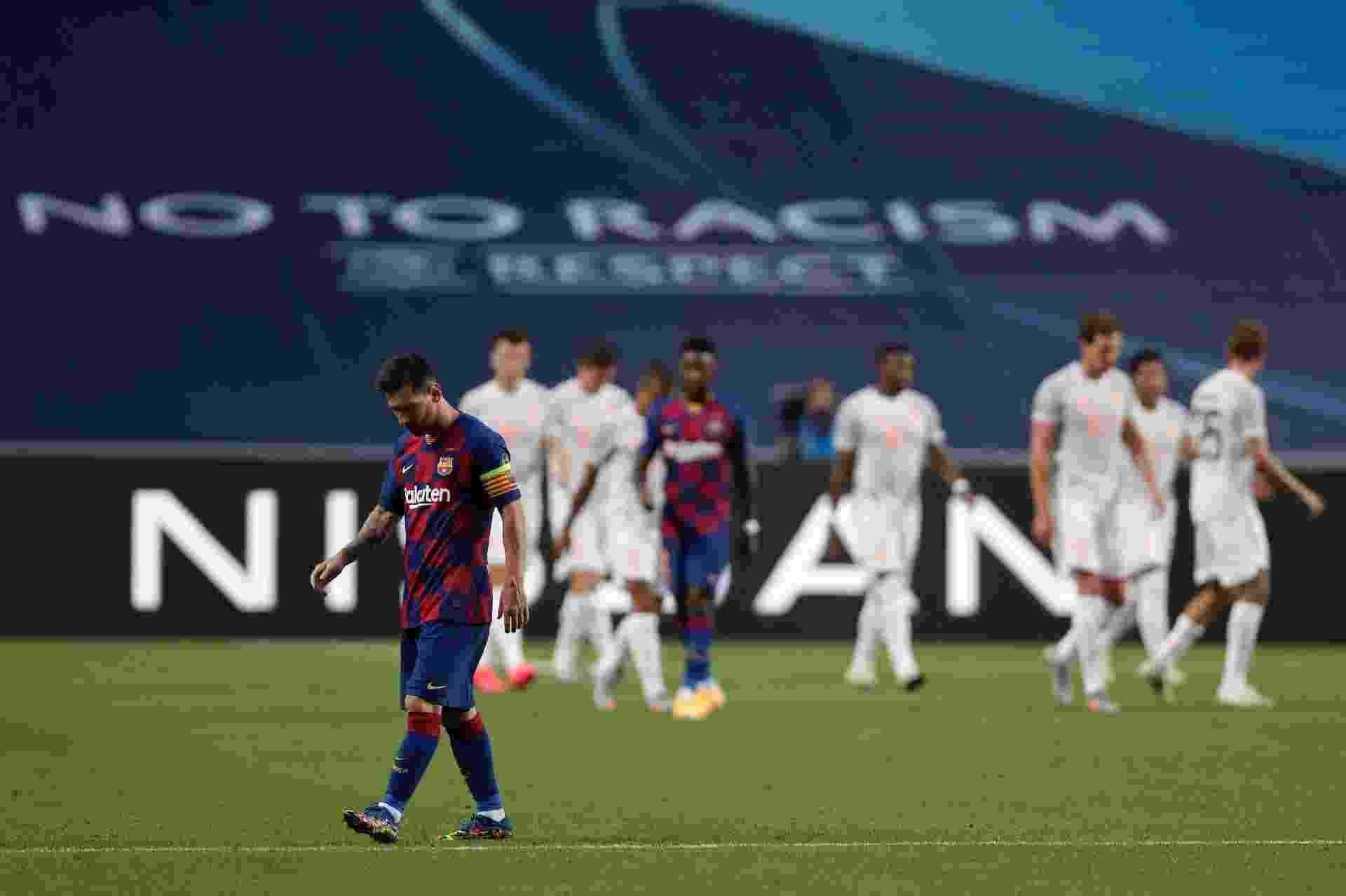 Messi lamenta um dos gols sofridos pelo Barcelona contra o Bayern em jogo da Liga dos Campeões - Manu Fernandez/Pool via Getty Images