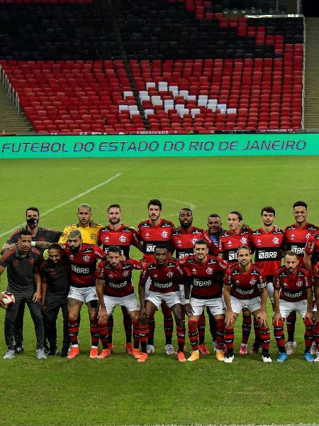 Jogadores do Flamengo posaram para foto antes da final do Carioca 2021, no Maracanã - Thiago Ribeiro/AGIF