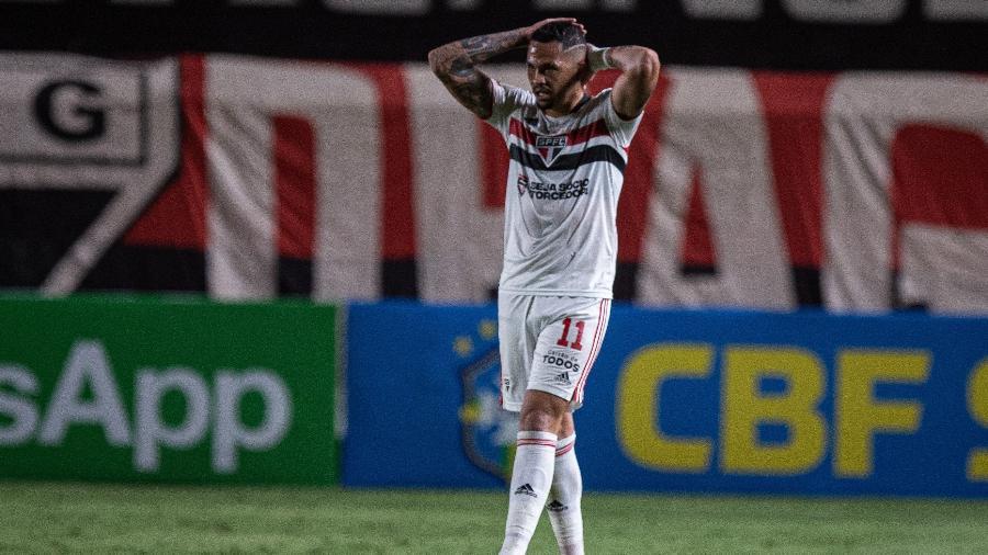Luciano lamenta chance perdida do São Paulo na partida contra o Atlético-GO no Brasileiro - Heber Gomes/AGIF