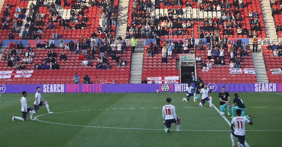 Jogadores da Inglaterra foram vaiados por parte da torcida por se ajoelharem antes do jogo contra a Áustria