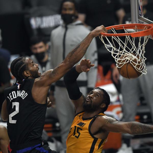 Kawhi Leonard enterra em partida entre Los Angeles Clippers e Utah Jazz