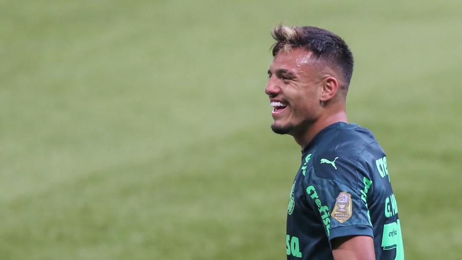 Gabriel Menino, do Palmeiras, depois do seu gol diante do Grêmio  - Marcello Zambrana/AGIF