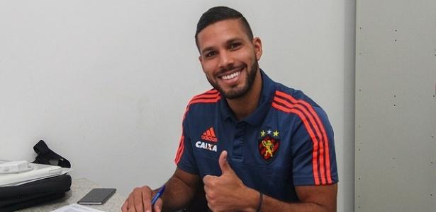 Henríquez Bocanegra assinou por três anos com o Sport