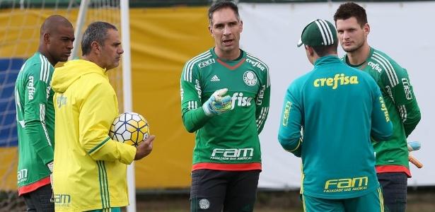 Vagner (dir) substituirá Fernando Prass como goleiro do Palmeiras durante a Rio 2016