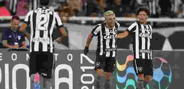 Equipe profissional já estampava a marca do banco desde 2016 - Satiro Sodré/SS Press/Botafogo