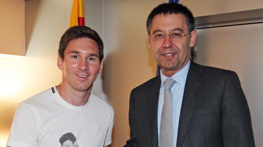 Lionel Messi e Josep Maria Bartomeu  - Miguel Ruiz/AFP