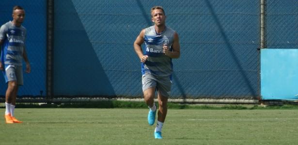 Arthur durante treinamento do Grêmio desta sexta-feira. Jogador deve atuar domingo