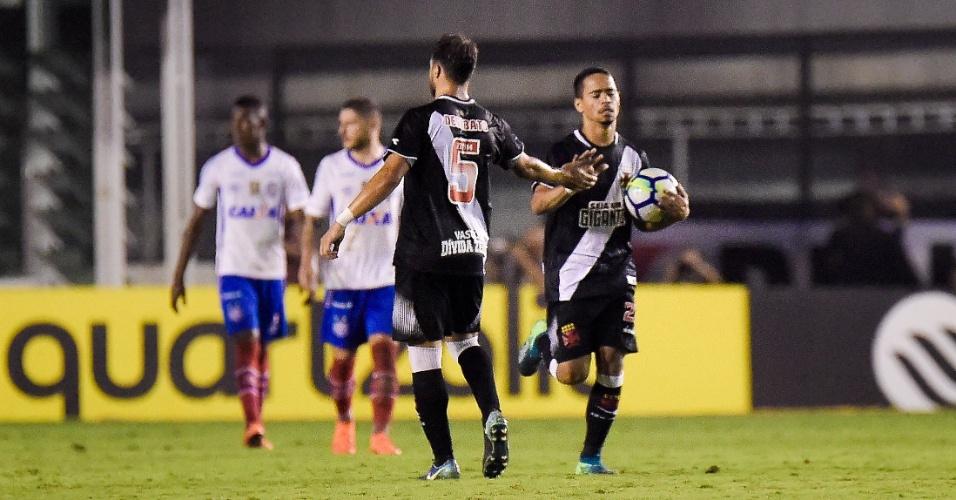 Yago Pikachu comemora gol do Vasco sobre o Bahia em jogo da Copa do Brasil
