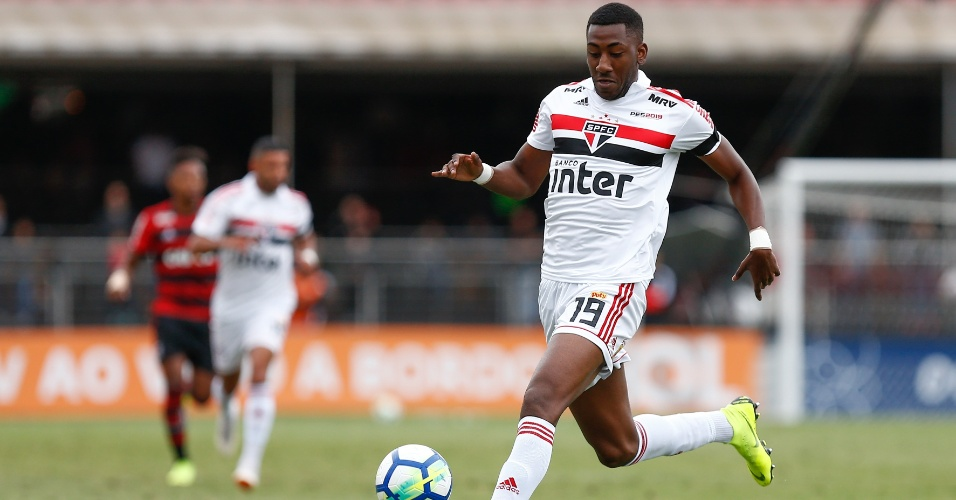 Carneiro, durante jogo entre São Paulo e Flamengo