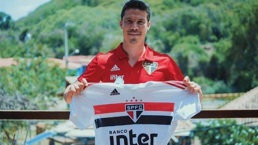 Hernanes foi anunciado como reforço do São Paulo por três temporadas - Divulgação/São PauloFC