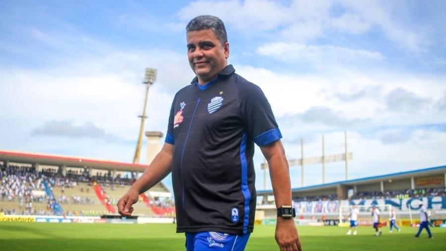 Marcelo Cabo, que também já treinou o CSA, ficou em 13º com o Atlético-GO e beliscou uma vaga na Sul-Americana - Assessoria CSA