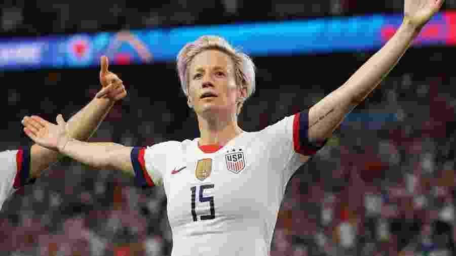 Megan Rapinoe comemora gol dos EUA diante da França nas quartas de final da Copa do Mundo 2019 - Lionel Bonaventure/AFP