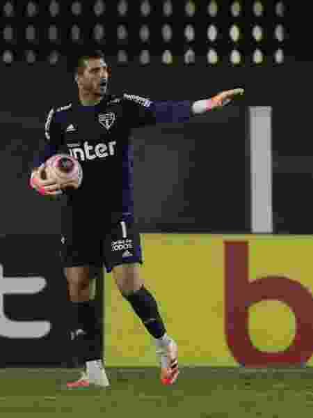 Tiago Volpi, goleiro do São Paulo, tem tudo para render cartoletas - Rubens Chiri