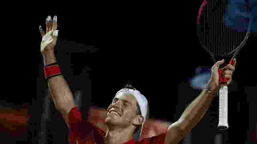 O tenista argentino Diego Schwartzman comemora vitória sobre Denis Shapovalov no Torneio de Roma - Clive Brunskill/AFP