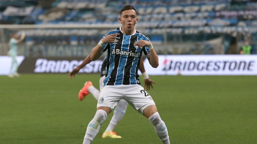 Pepê vai para o Porto no meio do ano, em negociação encaminhada com Grêmio - Alexandre Schneider/Getty Images