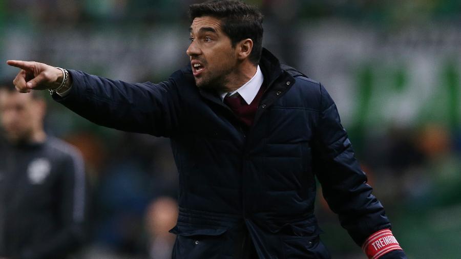 Técnico Abel Ferreira em ação quando comandava o Braga (Portugal), em 2019 - Getty Images