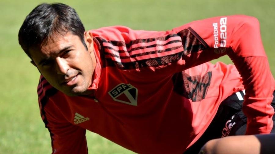 Eder, atacante do São Paulo, treina com o elenco no CT da Barra Funda - Divulgação/São Paulo FC
