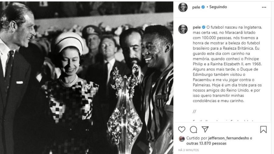 """Pelé disse guardar """"com carinho na memória"""" quando conheceu o Príncipe Philip e a Rainha Elizabeth II, em 1968 - Reprodução/Instagram"""