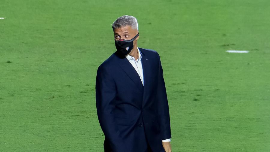 Hernán Crespo, técnico do São Paulo, durante a partida contra o Rentistas, do Uruguai - Marcello Zambrana/AGIF
