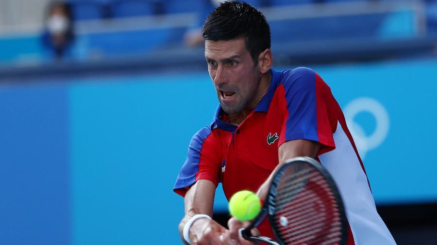 Novak Djokovic em ação contra Hugo Dellien nas Olimpíadas de Tóquio - Mike Segar/Reuters