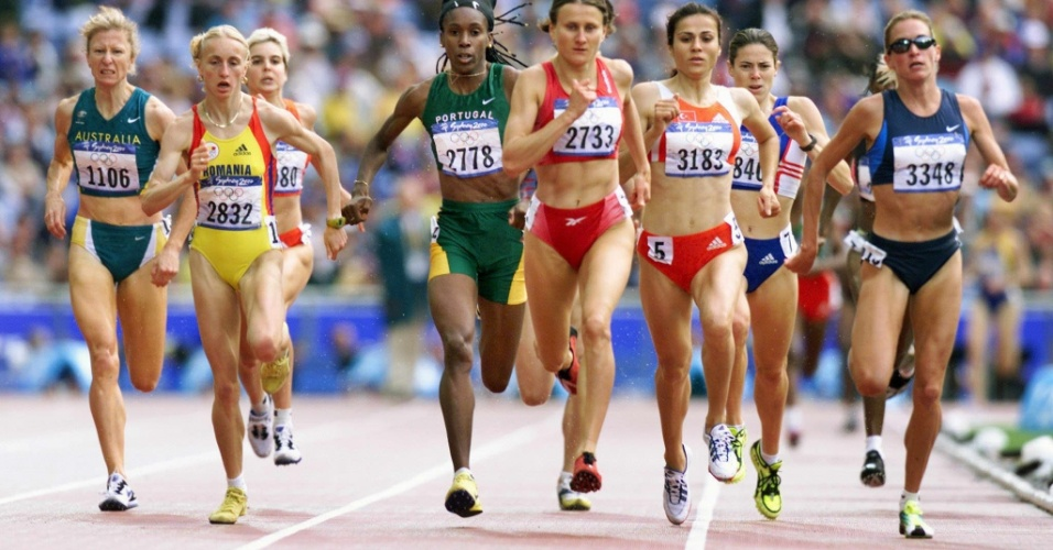 Suzy Favor Hamilton disputa bateria dos 1.500 m nos Jogos Olímpicos de 2000, em Sydney