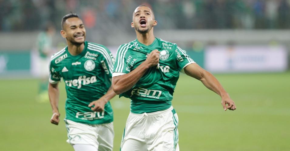 Vitor Hugo comemora após abrir o placar para o Palmeiras contra o Internacional pela Copa do Brasil