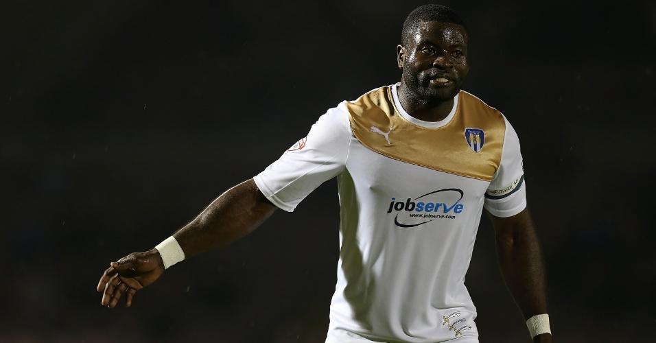 George Elokobi, camaronês, em ação pelo Colchester United