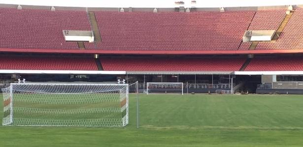 Conselheiro do São Paulo exibiu as novas redes dos gols do Morumbi - Reprodução/Facebook