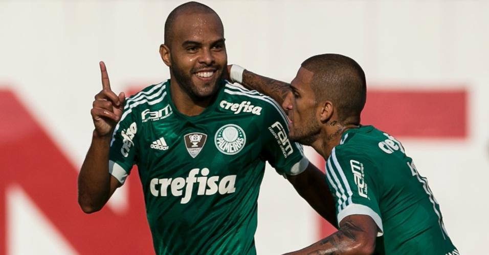 Alecsandro comemora gol do Palmeiras contra o Mogi Mirim
