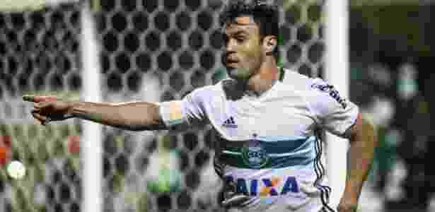 Atacante é artilheiro do Coritiba na temporada, com 16 gols, e revê Grêmio em POA - Joka Madruga/Futura Press