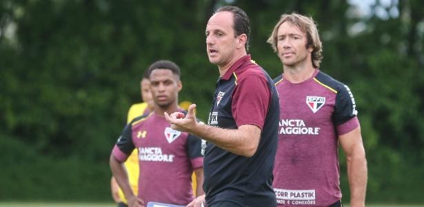 Ceni comanda treino no São Paulo