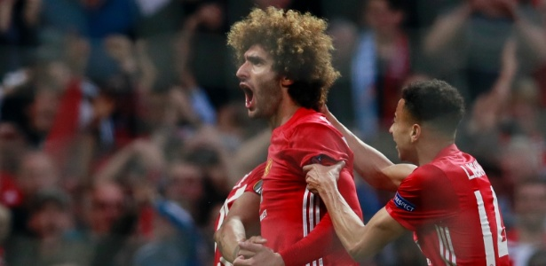 Fellaini comemora gol do Manchester United