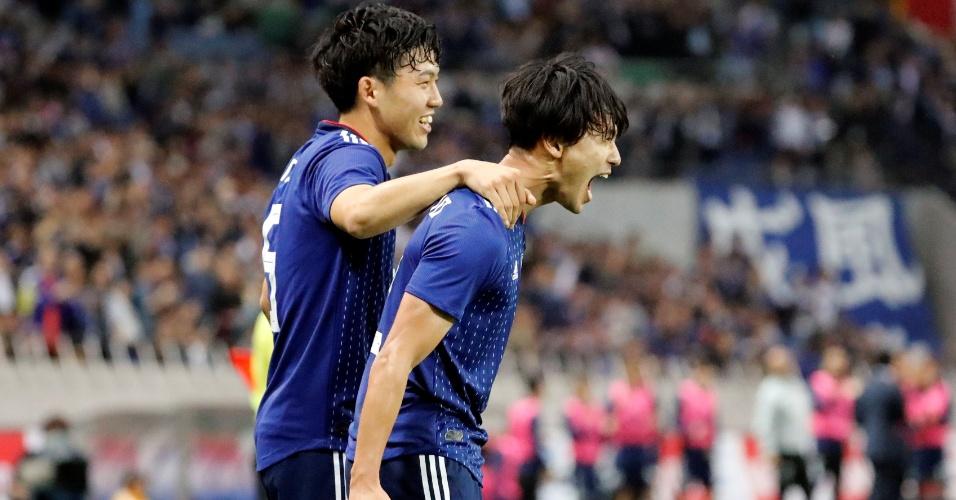 Japão comemora Uruguai Minamino