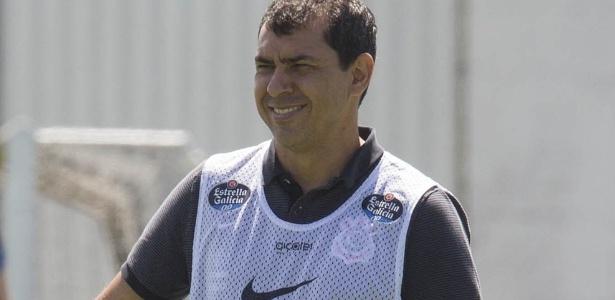 Fábio Carille em treino do Corinthians; técnico tem recebido os reforços que pediu - Daniel Augusto Jr/Ag. Corinthians