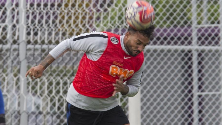 Lateral-direito Michel Macedo atuou em amistoso contra o Santos, mas oficialmente pode estrear amanhã - Daniel Augusto Jr/Ag. Corinthians