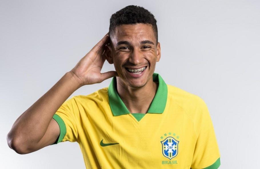 Henri, zagueiro do Palmeiras que esteve presente no Mundial sub-17 pela seleção brasileira