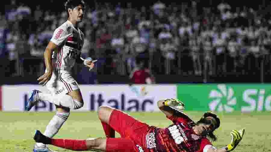 Cássio defende finalização de Alexandre Pato durante clássico entre São Paulo e Corinthians no Paulistão 2020 - Daniel Vorley/AGIF