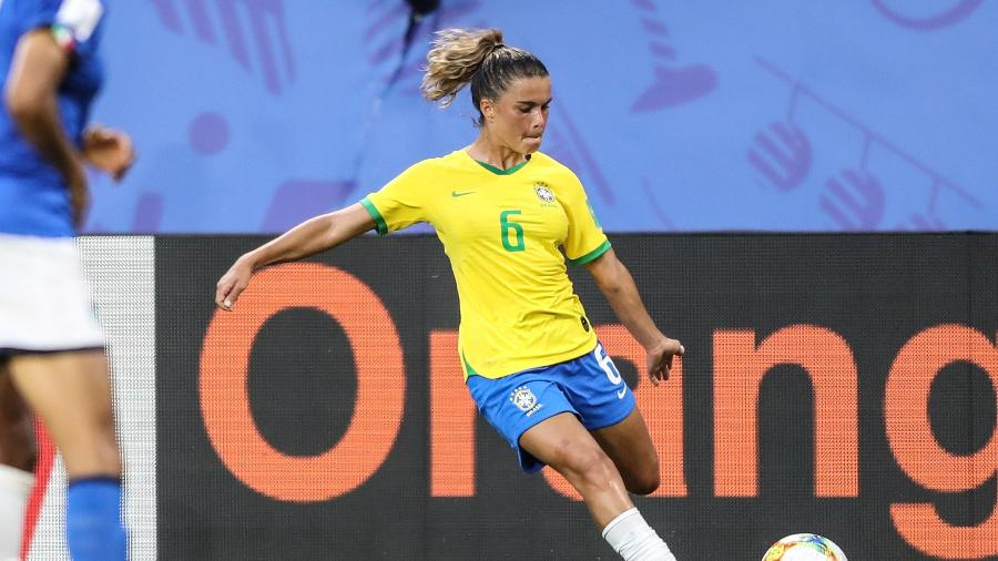 "Tamires deu ""resposta"" à critica de Bolsonaro pelo Twitter - CBF"