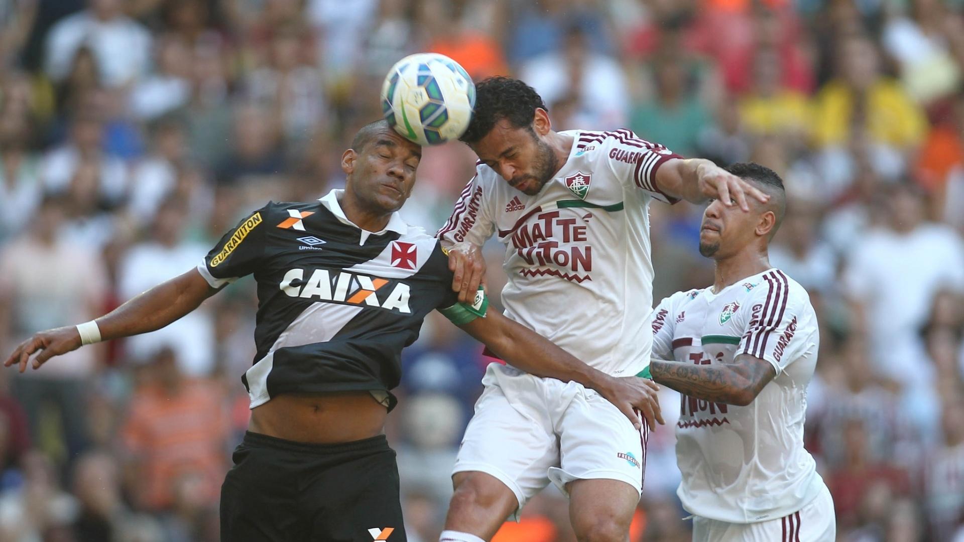 Zagueiro Rodrigo provocou Fred durante os 90 minutos do clássico entre Vasco e Flu