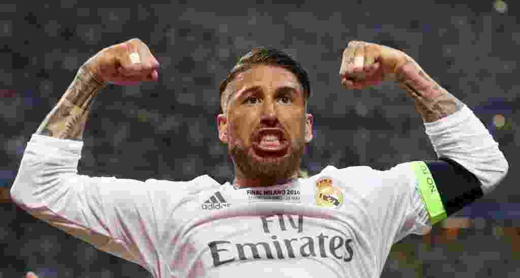 Sergio Ramos comemora gol contra o Atlético de Madri na final da Liga dos Campeões. Em posição duvidosa, ele completou desvio de Gareth Bale para fazer 1 a 0 para o Real Madrid - Reuters / Carl Recine