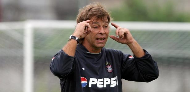 Solitinho durante a temporada 2003, quando era preparador de goleiros do Corinthians - Fernando Santos/Folhapress