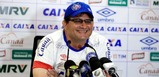 Guto criticou a arbitragem pela expulsão de Juninho e pelo gol mal anulado