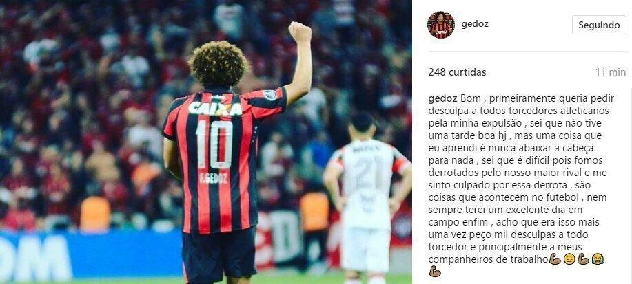 Gedoz pede desculpa à torcida do Atlético-PR por expulsão