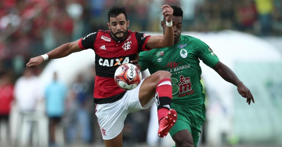 Henrique Dourado foge da marcação na final da Taça Guanabara, entre Boavista e Flamengo