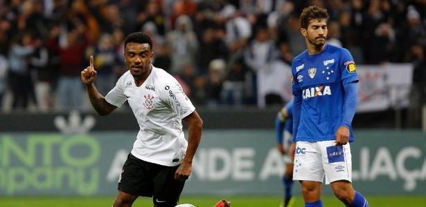 Paulo Roberto chegou ao Corinthians no início da temporada 2017 e disputou 27 jogos - Daniel Vorley/AGIF
