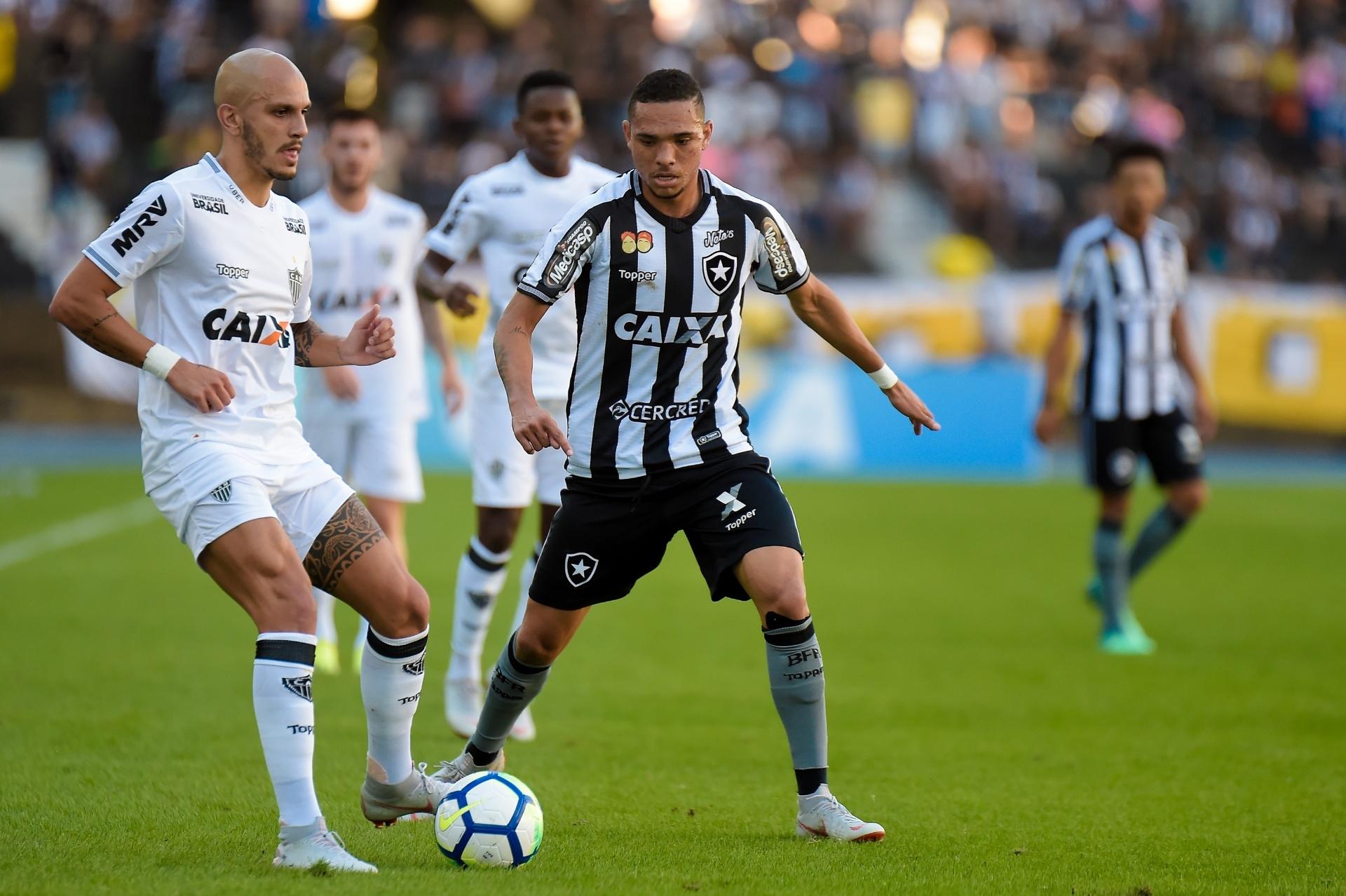 Rabello critica erros de passes do Botafogo em derrota para o Atlético-MG -  19 08 2018 - UOL Esporte 660f0f4705175